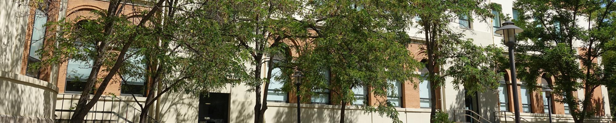Exterior Facultad Medicina y Odontología UV - Fundación Juan Esplugues