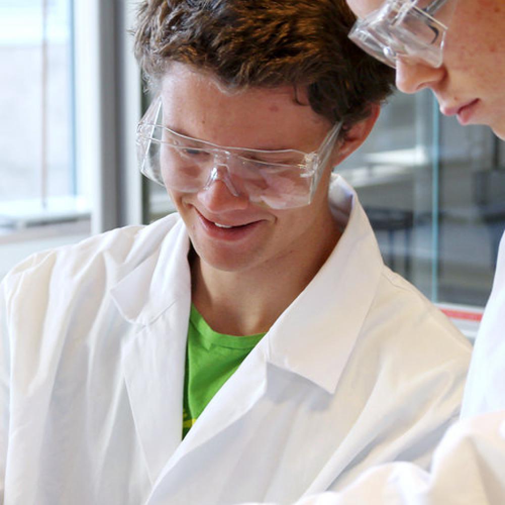 Becas de ampliación de estudios y perfeccionamiento científico